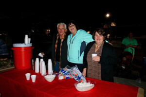 Caroling in the park - hot choc 2017